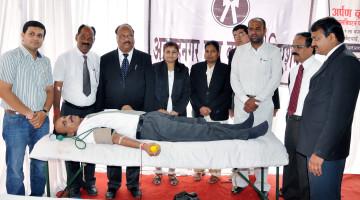 Lawyer_Blood_Donation_Camp_Ahmednagar_World_Record