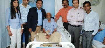 dr_Hiren_Sodha_RG_Stone_Hospital_Mumbai_World_Record