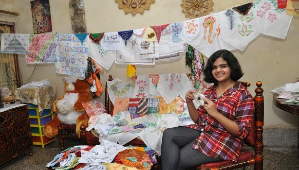 Aditi_Deshpande_handkerchiefs_collection_raipur_world_record