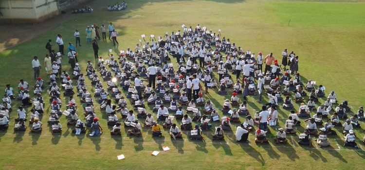 Pascals_Triangle_Human_Formation_world_records_india