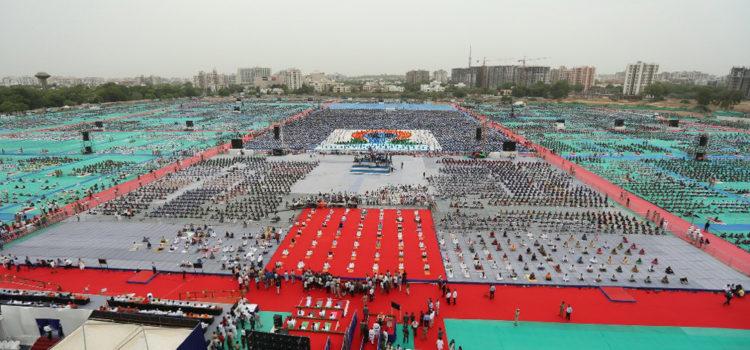 International_Yoga_Day_2016_Gujarat_World_Record