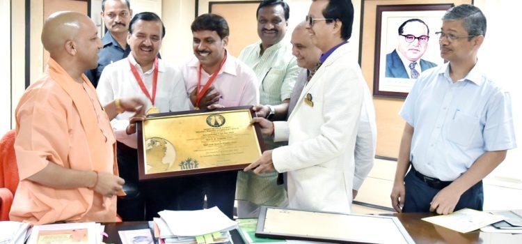 Alok_Pandey_DM_Sahranpur_World_Record_Paavan_Solanki