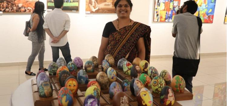 Emu_Egg_shell_painting_world_record