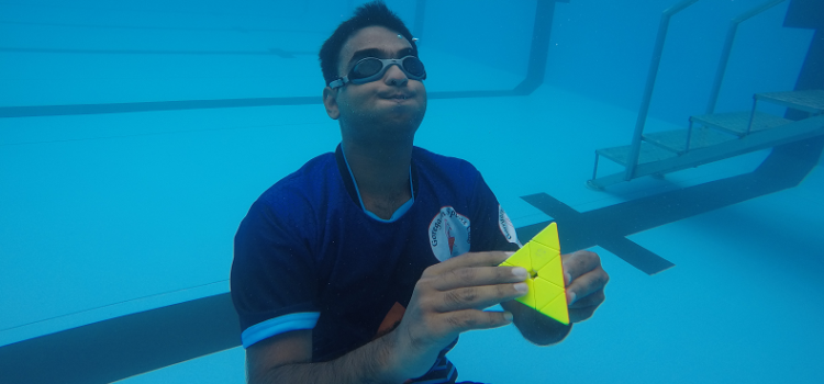 Chinmay_Prabhu_Pyraminx_underwater_world_record