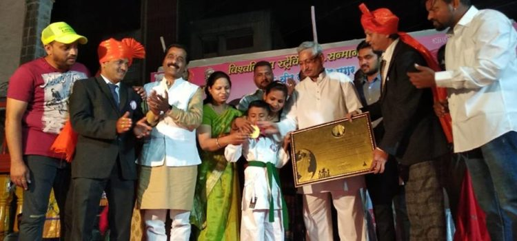 Veer_Somnath_Magar_Kolhapur_Maharashtra_World_Record