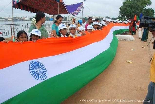 LONGEST NATIONAL FLAG OF INDIA