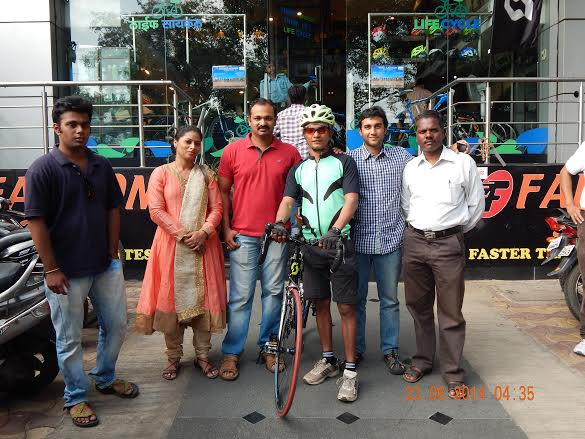 LONGEST BICYCLE EXPEDITION IN A SINGLE COUNTRY