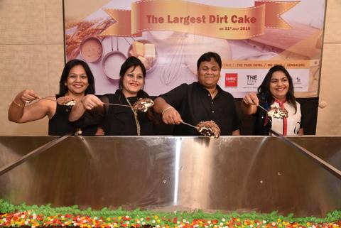 WORLD'S LARGEST DIRT CAKE