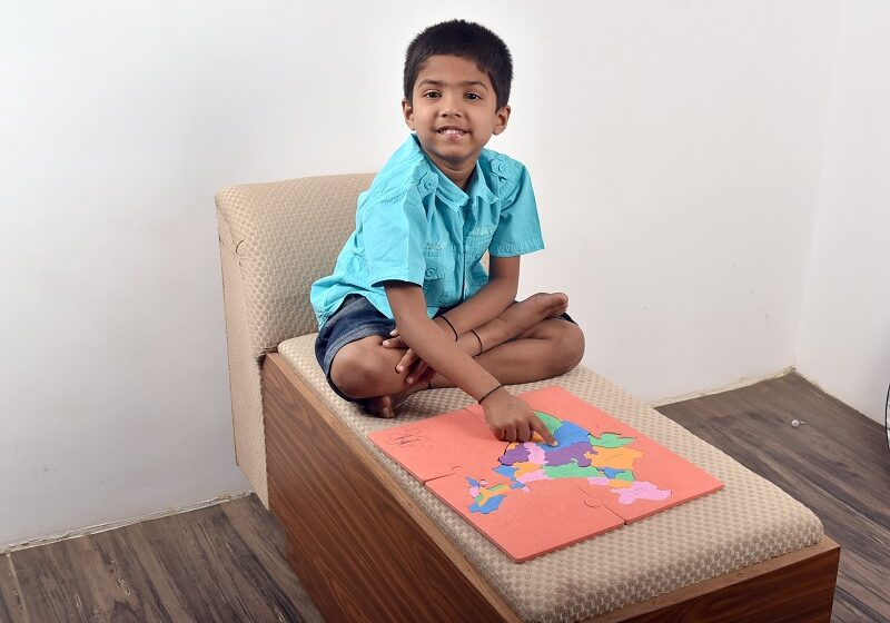 YOUNGEST TO IDENTIFY ALL 30 STATES OF INDIA ON THE MAP IN LEAST TIME
