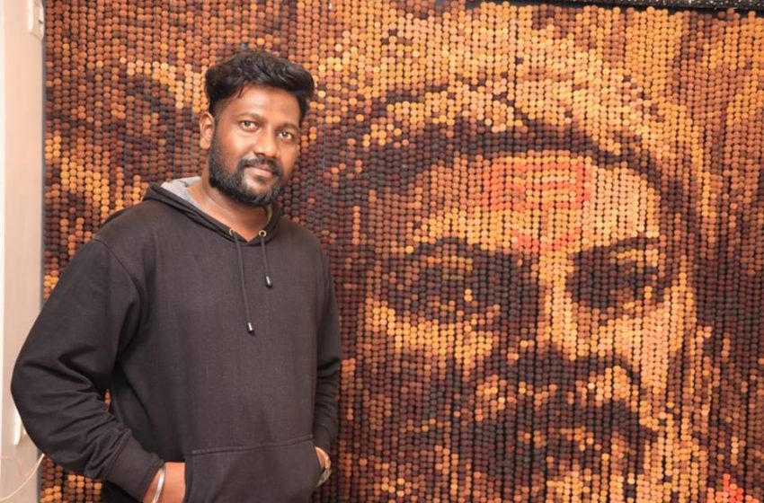 WORLD'S LARGEST MOSAIC PORTRAIT USING RUDRAKSHA