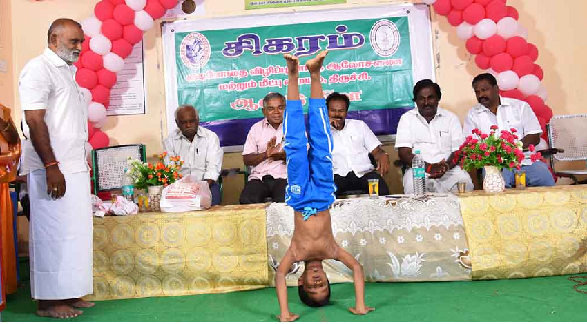 YOUNGEST PERFORM YOGA MOST HEADSTAND VARIATIONS