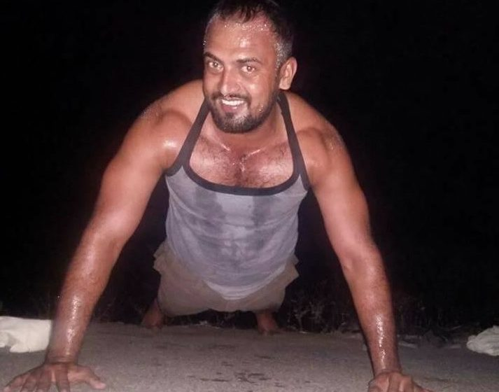 MOST NUMBER OF KNUCKLE PUSH-UPS IN ONE MINUTE
