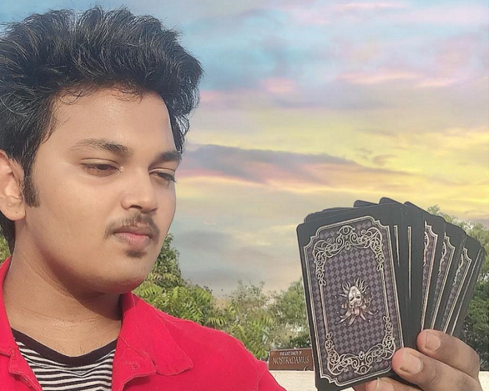 YOUNGEST TAROT CARD READER IN INDIA