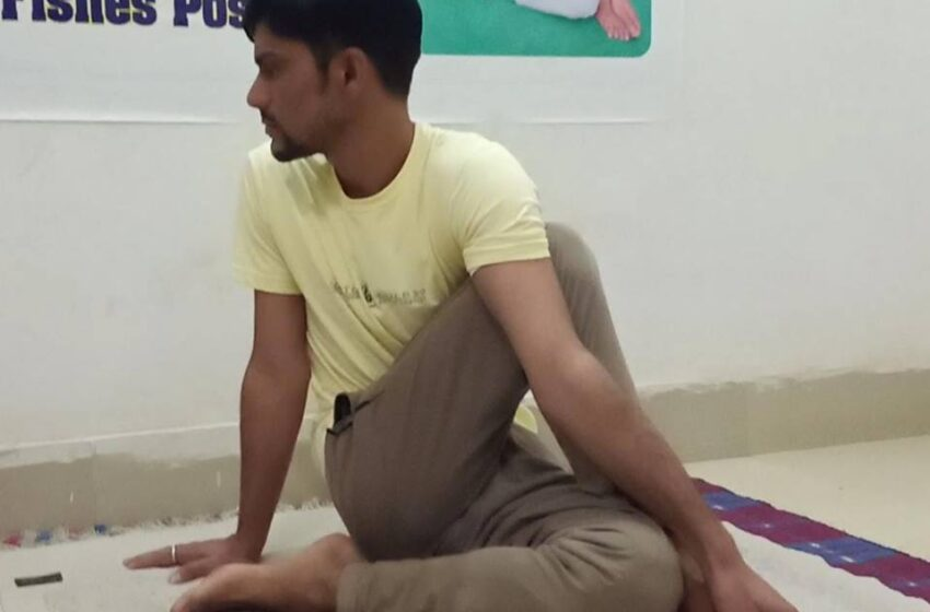 LONGEST TIME TO PERFORMED ARDHA MATSYENDRASANA YOGA (HALF FISHES POSE)