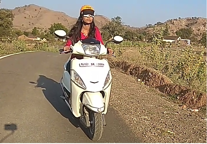 YOUNGEST TO PERFORMED BLINDFOLD GEAR LESS BIKE DRIVING (GIRL)