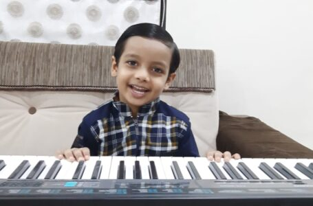 YOUNGEST PIANIST PLAYING NATIONAL ANTHEM AND MULTIPLE SONGS